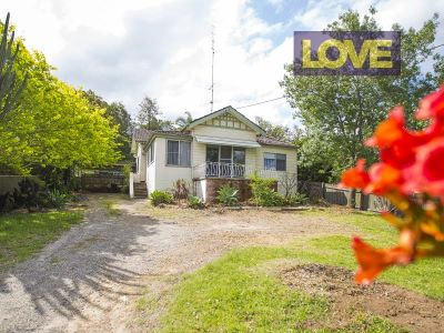 Family Home in Lakeside Location- Offers over $430