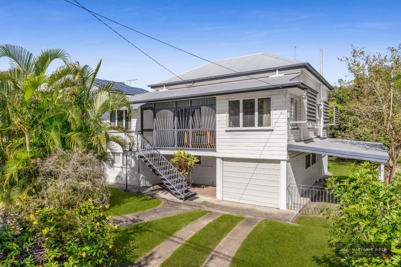 Under Contract! 607m2 In The Heart Of Beautiful Balmoral!