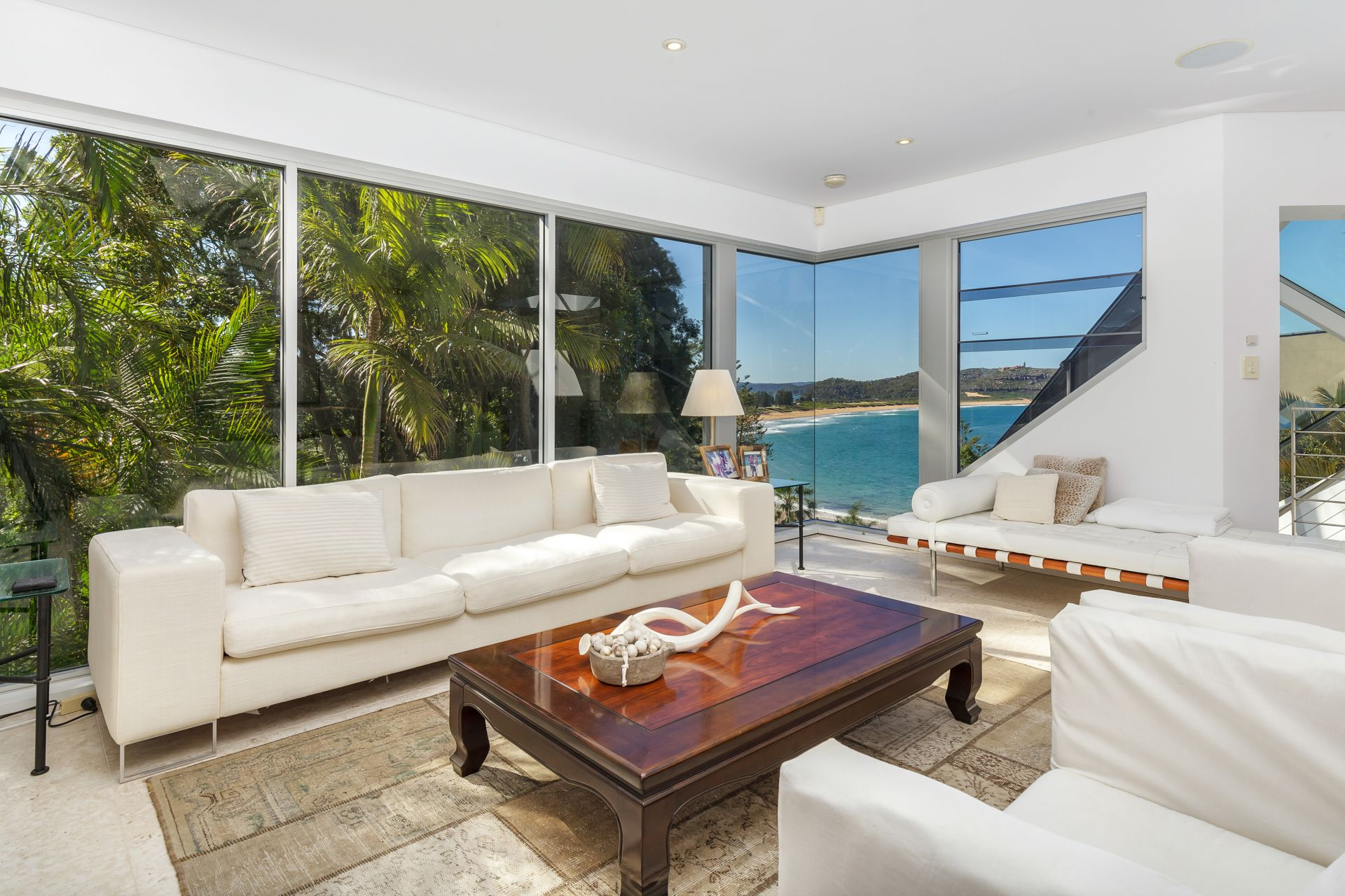 Additional photo for property listing at Breathtaking due-north views 28 Florida Road Palm Beach, New South Wales,2108 Australie