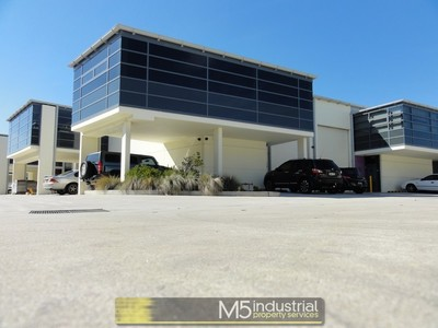 206m² - Near New Warehouse / Office in Sought After Complex