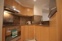 1 BEDROOM IN THE HEART OF THE CITY AIRCON WIFI POOL