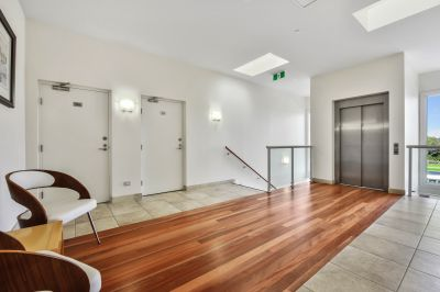 LAST UPSTAIRS EXECUTIVE APARTMENT AVAILABLE