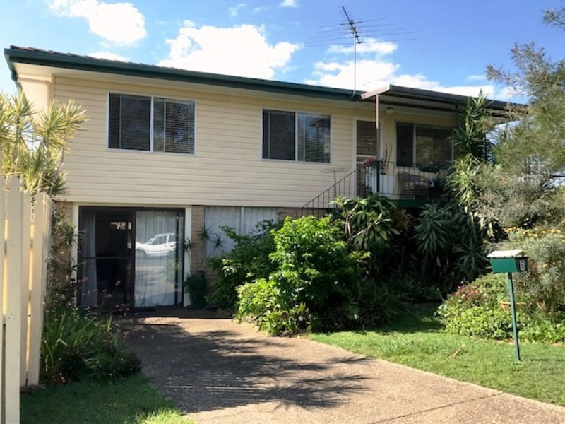 SOLID FAMILY HOME IN CENTRAL LOCATION