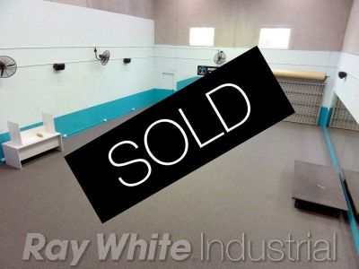 253sqm - Renovated High Clearance Industrial Unit