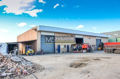 1,630sqm Yard with Warehouse
