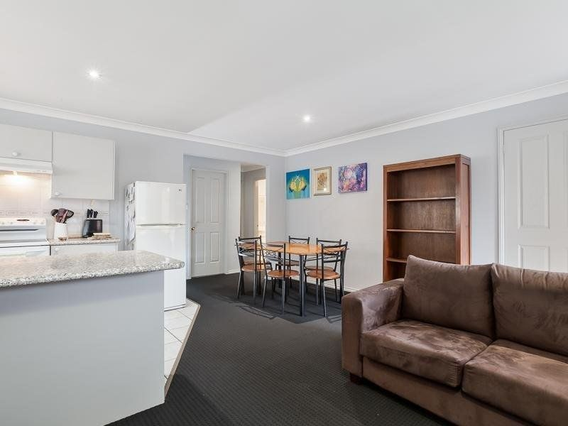 3/385 Glebe Road, Merewether