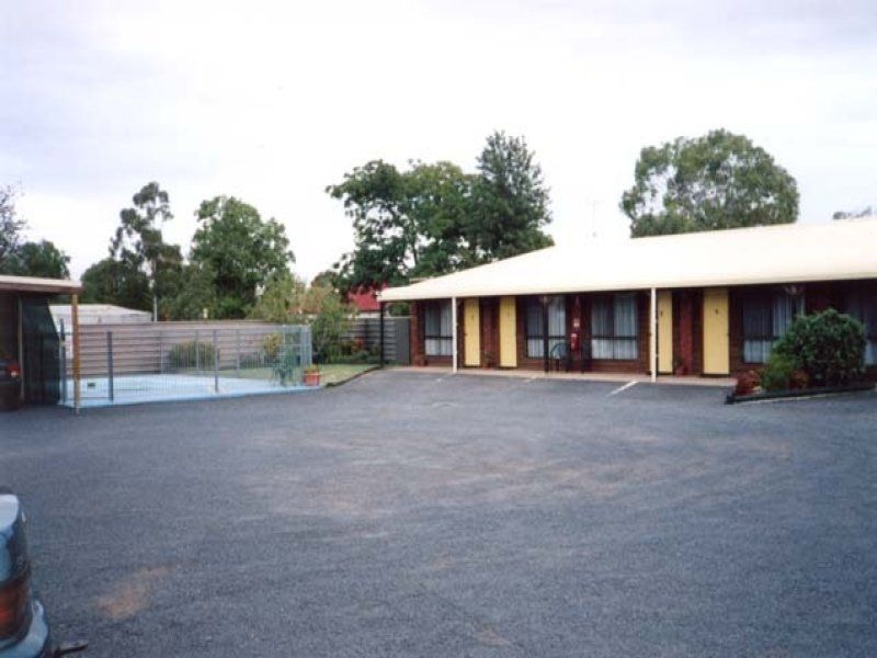 MOTEL FOR SALE- PRIME NEWELL HWY FRONTAGE