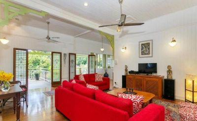 5 Bedroom Queenslander Edge  Hill - Outstanding Location