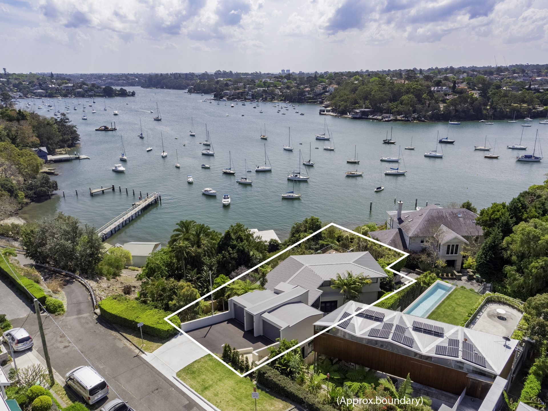 Einfamilienhaus für Verkauf beim Secluded waterfront reserve luxury 6 Collingwood Street New South Wales,2110 Australien