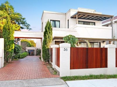 Stylish, Spacious and Private Townhouse
