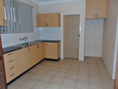 Well Presented 2 Bedroom Unit
