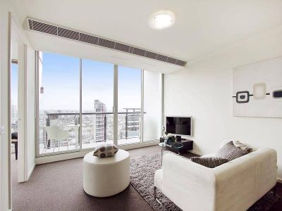 PRICE REDUCED! Stunning Inner City Apartment