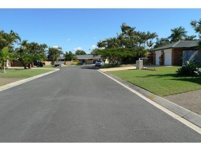 AMAZING VALUE FAMILY HOME - PERFECT LOCATION