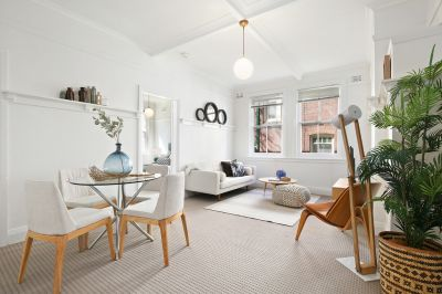 Art Deco glamour, boutique living a stroll to the ferry