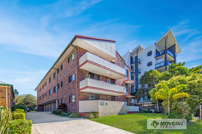 FULLY RENOVATED IN THE HEART OF REDCLIFFE - PET FRIENDLY