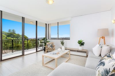 Available to view : Stylish Living, Dramatic Views