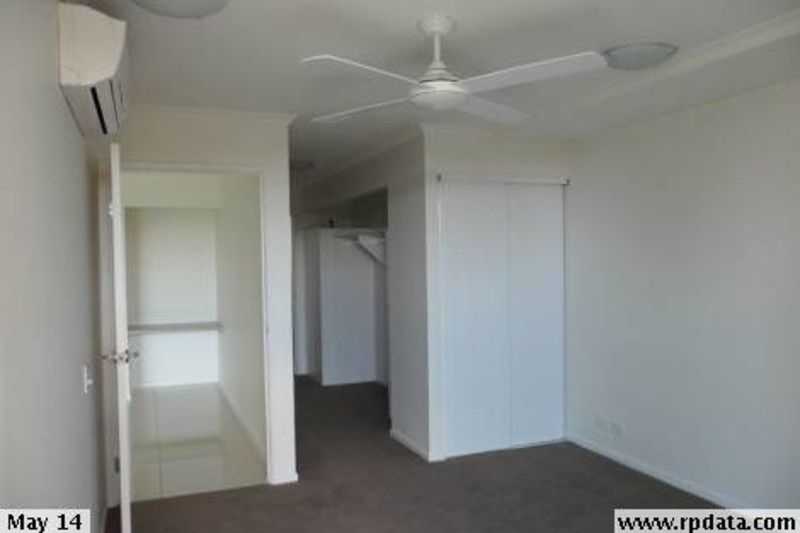 AS NEW 2 BEDROOM UNIT CLOSE TO TRAIN STATION