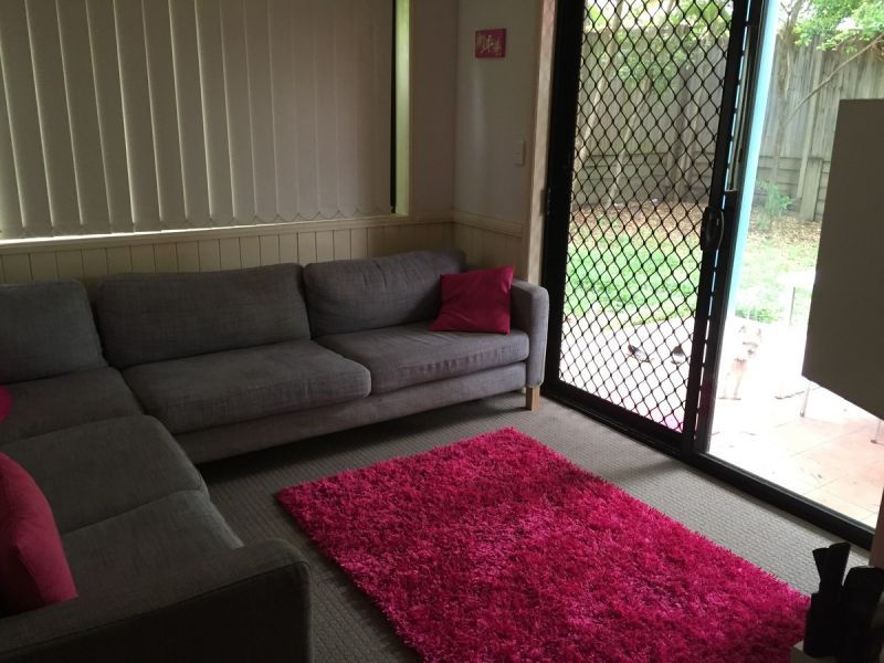 EAST BRISBANE LIVING AT ITS BEST LARGE REAR COURTYARD PET FRIENDLY