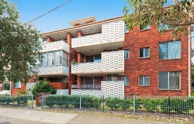 Spacious Two Bedroom Unit with Garage