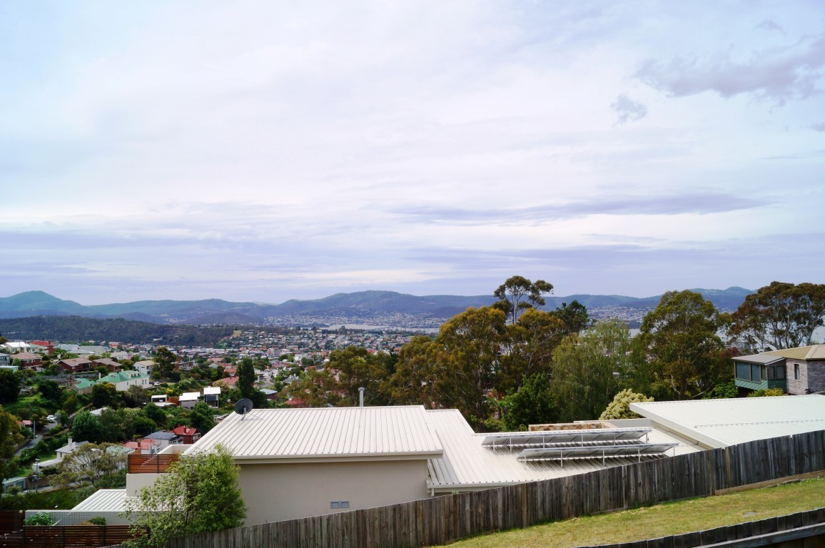 2/123 Forest Road