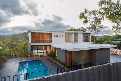 Modern, Brand New Home with Spectacular Hinterland Views