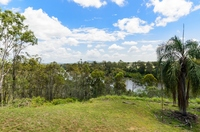 Unique Opportunity - River Frontage - 3 Homes - 4.54ha - Pool