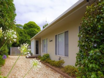 THREE BEDROOMS CLOSE TO TOWN