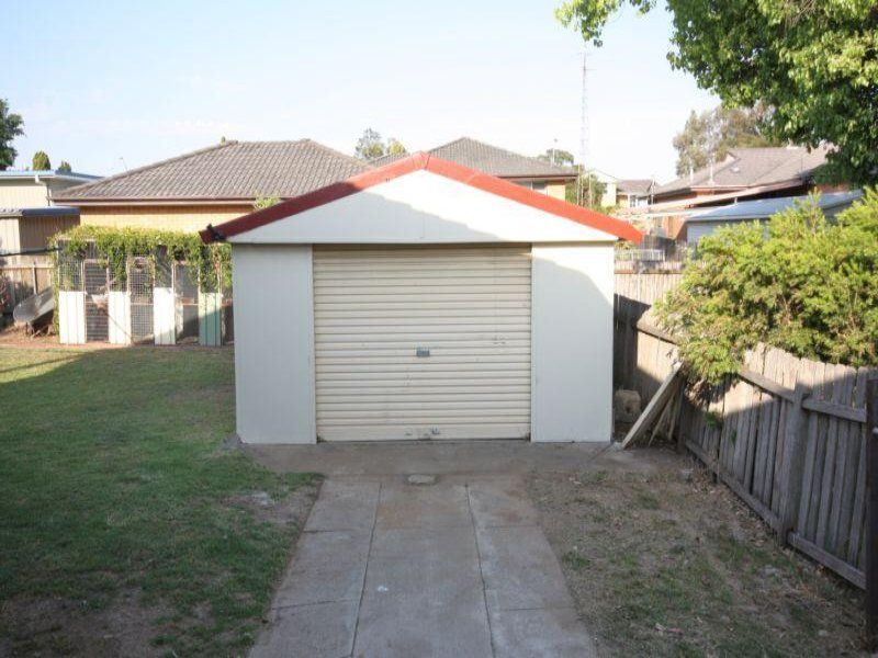 9 James Cook Avenue, Singleton