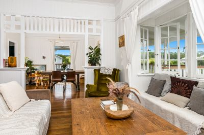Charming Queenslander plus Cottage