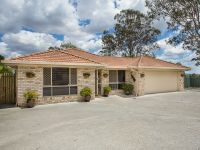 33 Muirfield Crescent Oxley, Qld