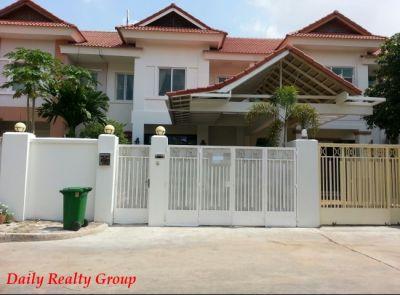 Tonle Bassac, Phnom Penh | Villa for rent in Chamkarmon Tonle Bassac img 0