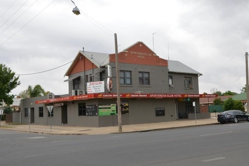 HOTEL FOR SALE - Sportsmen's Club Hotel, Wagga Wagga