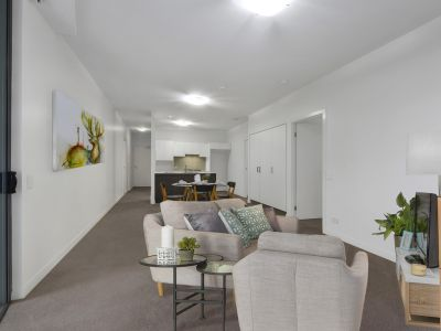 Perfectly Positioned with Resort Style Facilities in the Vue Apartments!