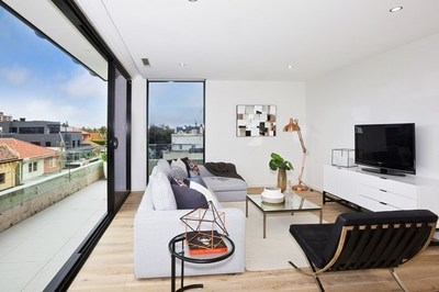 Near New Luxury Penthouse in Convenient Location