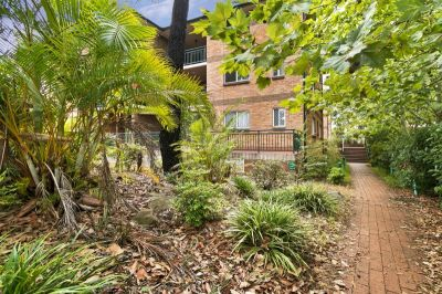 Generous two bedroom unit; recently renovated and ready for you to enjoy! DEPOSIT TAKEN