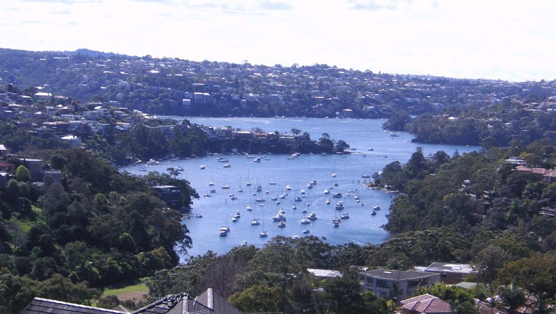VIEWS VIEWS VIEWS 3BED 2BATH TOP FLOOR APT IN NEUTRAL BAY F/F WITH PARKING