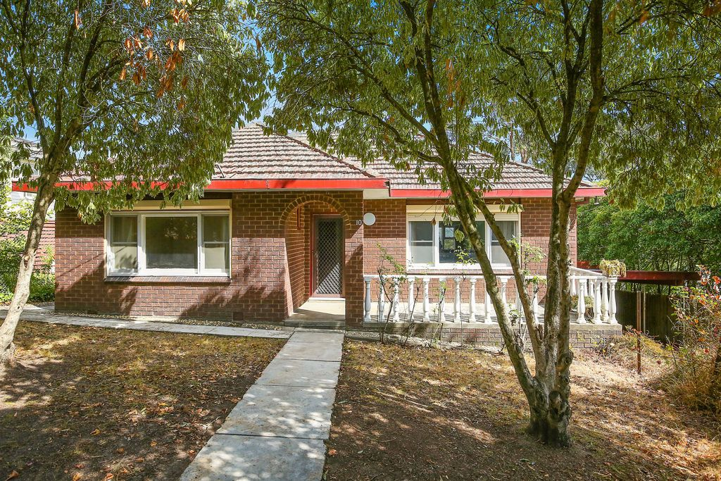 10 Deschamps Avenue Lilydale