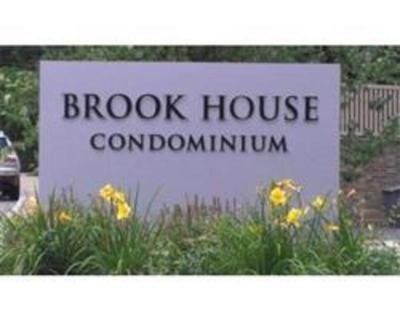 Brook House, Sought after top floor South facing studio, bright and sunny all day