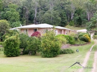 Lovely 3 Bedroom Home on 5 acres South of Sarina