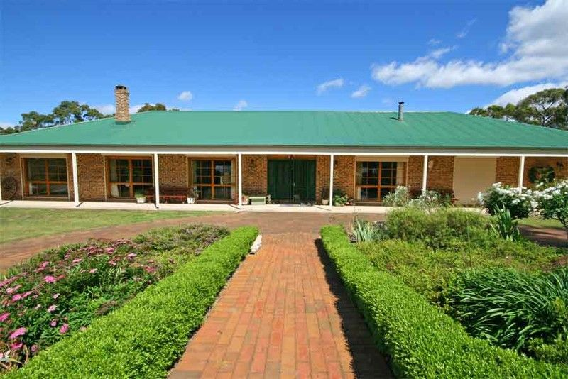 OPEN HOME CANCELLED. Outstanding value.  Absolutey stunning home on beautiful acres with expansive views. Don't miss out!!