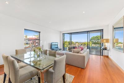 Spacious Lifestyle Apartment With City Views