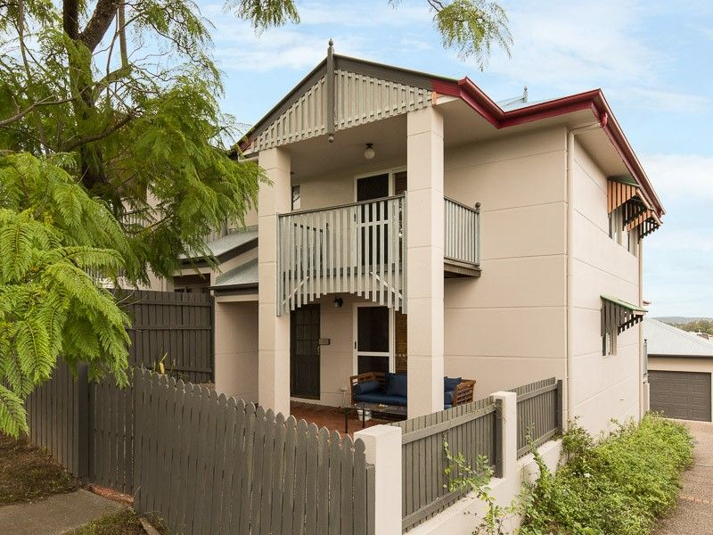 2/82 Manchester Terrace Indooroopilly 4068