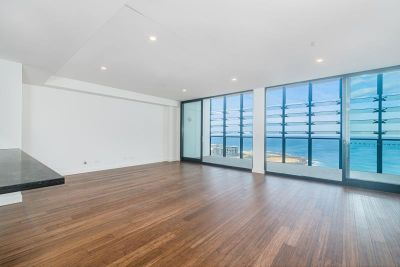 Penthouse Beachside Bliss - Best Offers Over $1200 pw