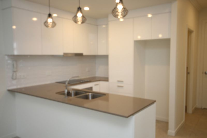 Fantastically priced 3 bedroom modern unit in convenient location