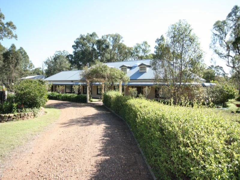 Ironbark Lane, Singleton