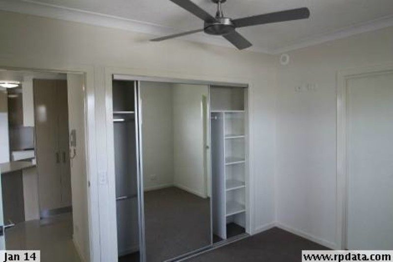 As new 2 bedroom unit in Brisbane State School catchment - HUGE BALCONY