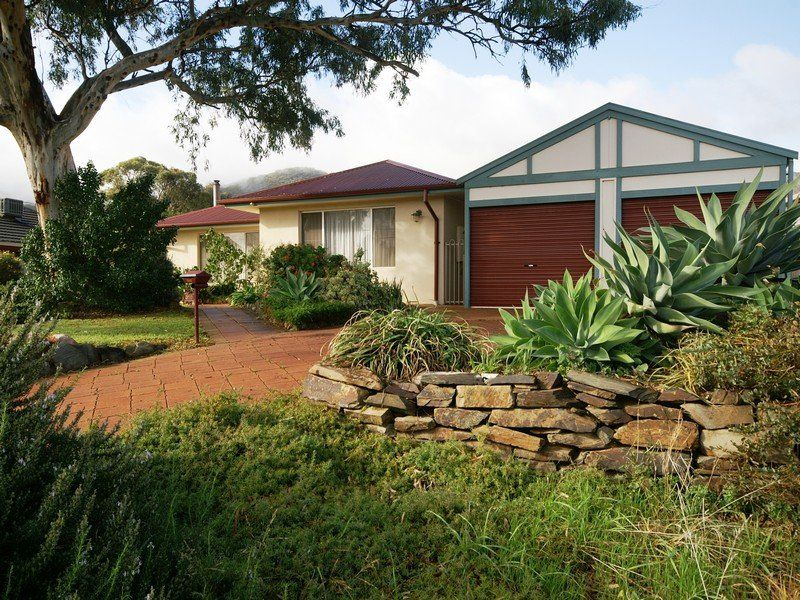 Prime Linear Park Frontage – Aprox 964 sqm Allotment – Offering Lifestyle Without Compromise