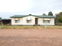 Very tidy 3 bedroom home and shed for rent