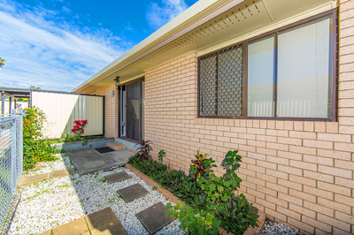 PRIVATE VILLA – 1 OF 3 – EAST OF OXLEY