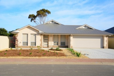 Brand New Home - Walk to Normanville Shops